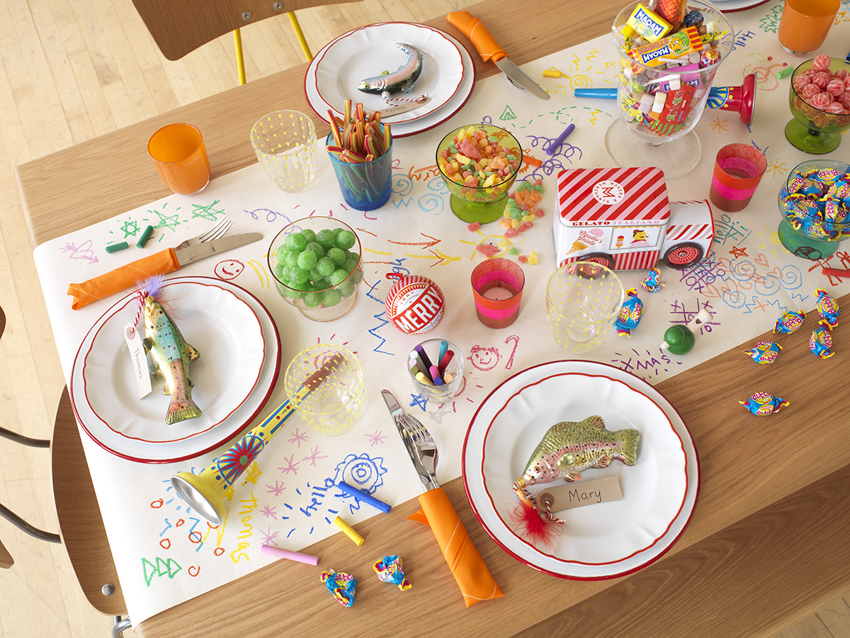 kids table setting christmas